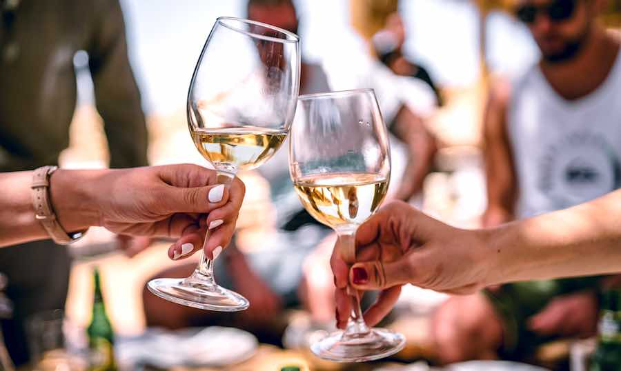 How To Serve White Wine